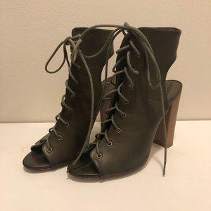 LiliAna Lace up chunky heel - olive green